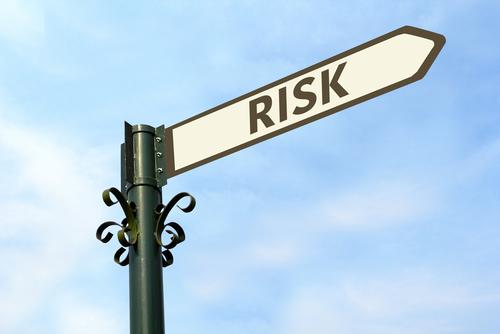 アナトミカル型の豊胸バッグのリスクにはどんなものがある?