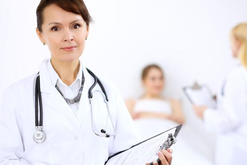 大胸筋下法での豊胸の名医