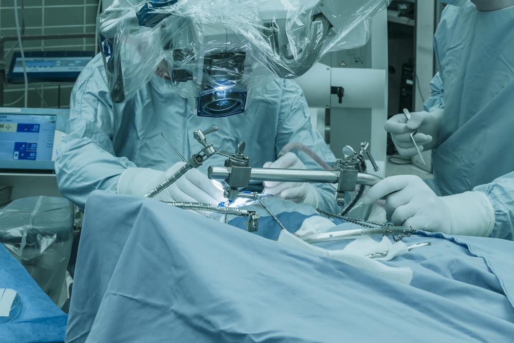 大胸筋筋膜下法での豊胸のデメリット