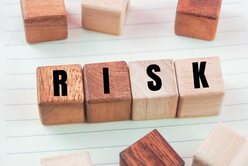 豊胸インプラントのリスク