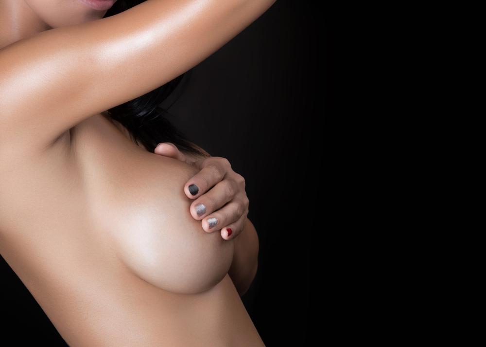 コンプレックスを捨てよう!乳房吊り上げ術(マストペクシー)のメリット