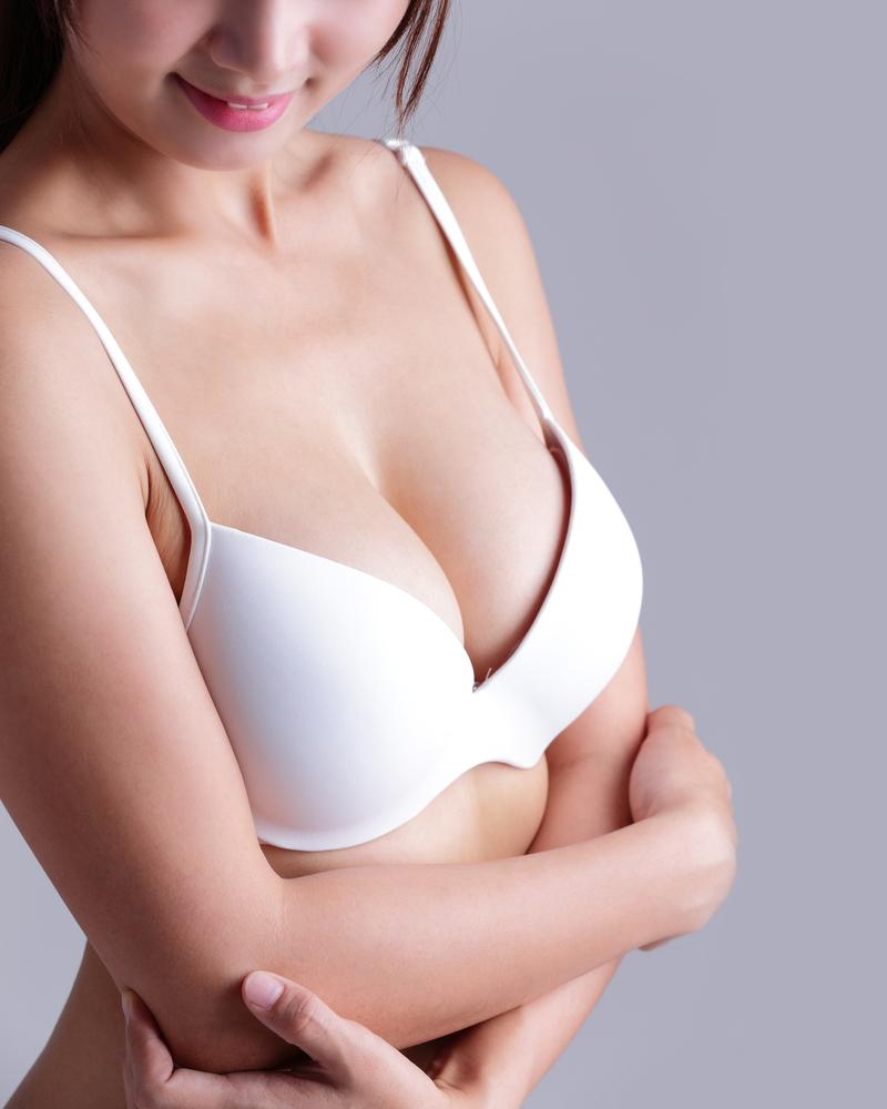 乳輪周囲から挿入する豊胸バッグのメリット